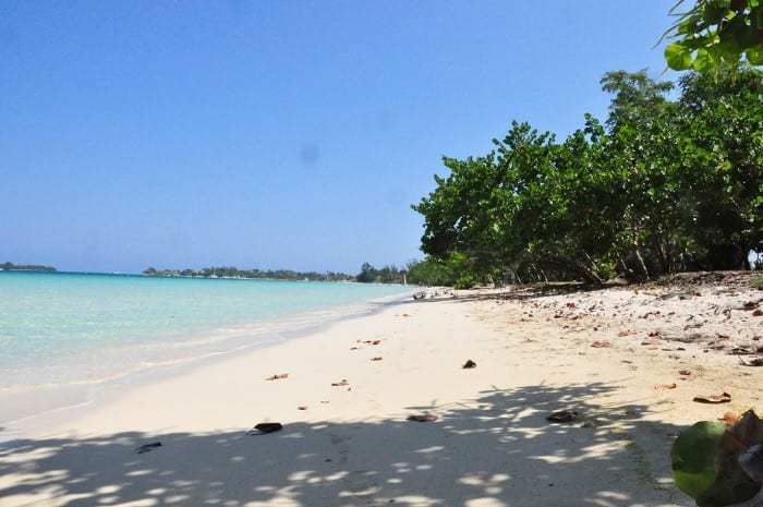 Can you travel on a budget in Jamaica?