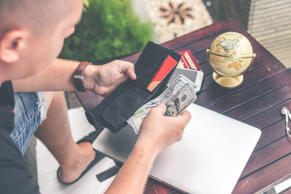 How to get money while backpacking